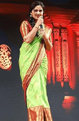 Anushka Shetty height